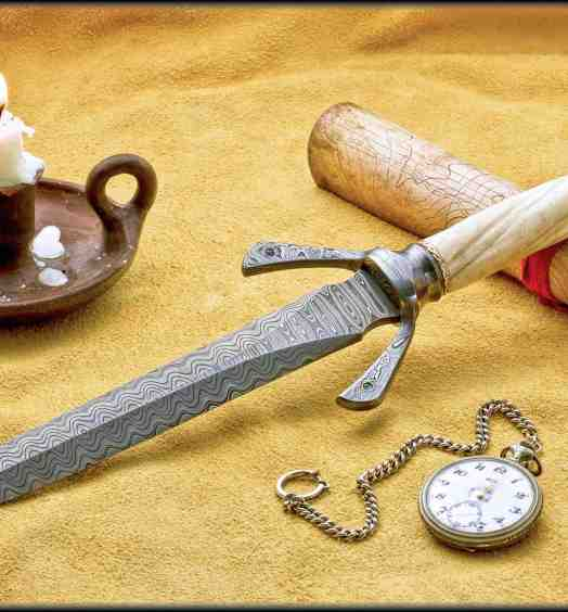Hyperborian Dagger with Narwahl Tusk